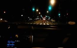 Sở thích lạ của bác tài Uber chạy một mạch gần nửa tiếng, vượt qua 236 đèn xanh liên tiếp, không gặp đèn đỏ nào!