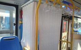 Xe buýt được trang bị cả… ri-đô, hành khách đi từ khó hiểu đến tán thành