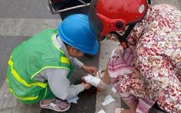 Người phụ nữ bị chảy máu giữa đường và hành động của chị lao công