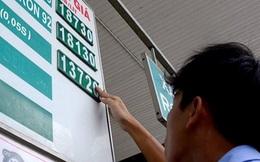 Tính đúng thuế, giá xăng Việt Nam chỉ bằng nước lọc