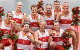 Lý do bất ngờ sau hành động cắn huy chương của các VĐV Olympic