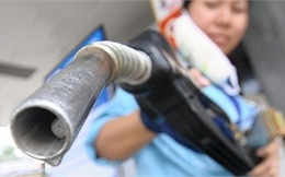 Ngày mai, xăng dầu tăng giá mạnh?
