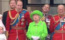 Hành động nhỏ này của nữ hoàng Anh khiến dân chúng yêu mến