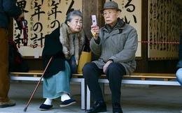 """Ngồi trên """"núi tiền"""" hàng nghìn tỷ USD, người già ở Nhật không biết làm gì với gia tài đang có"""