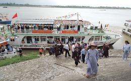 Vì sao đội tàu du lịch tiền tỷ Hà Nội chở khách tham quan sông Hồng 'đắp chiếu'?