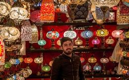 Lạc vào khu chợ sặc sỡ màu sắc và lâu đời nhất thế giới