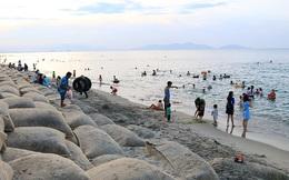 """Từng lọt top 25 bãi biển đẹp nhất châu Á, nhưng giờ thì Cửa Đại chằng chịt những """"vết thương""""!"""