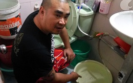 """Chuyện khó tin ở Hà Nội, nước sinh hoạt đắt gấp 3 """"khuyến mại"""" thêm giun sán"""