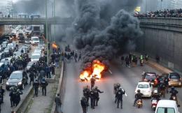 Biểu tình chống Uber biến thành bạo loạn, thủ đô Paris chìm trong biển lửa