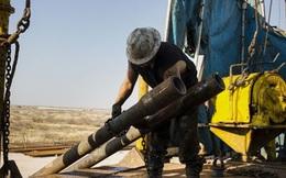 Giá dầu phá mốc 40USD/thùng lần đầu tiên kể từ tháng Tư