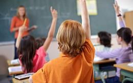 """""""Tôi kiện nền giáo dục này"""" - Clip mà bất cứ ai từng qua thời học sinh bị ép giơ tay phát biểu sẽ đều thích thú và đồng tình"""