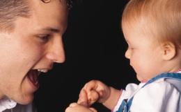 Trẻ thông minh nhờ nhận được sự quan tâm của bố