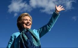 Hillary Clinton huy động được số tiền tranh cử gấp đôi Donald Trump