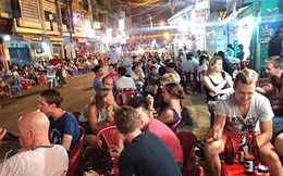 Góc khuất Sài Gòn: Mại dâm Tây ở phố Tây
