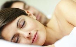 Lợi ích bất ngờ khi bạn ngủ nude