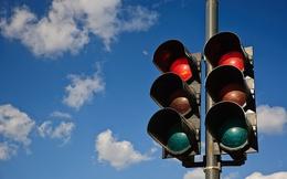 Ai cũng biết đèn xanh là đi, đèn đỏ là dừng nhưng thực ra, ban đầu ý nghĩa của chúng không phải như vậy