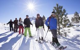 Không chỉ làm cáp treo, người ta còn xây hẳn một khu resort trên dãy núi dài nhất thế giới
