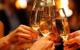 Uống bao nhiêu rượu là vừa đủ không hại sức khỏe?