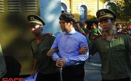 Hình ảnh của Phan Thành Mai trước giờ xử đại án Phạm Công Danh ở Ngân hàng Xây dựng