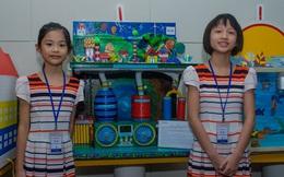 Mới lớp 5, hai bé gái Ninh Bình đã lên ý tưởng làm máy thu bão: vừa hút hết gió xuống lòng đất, vừa tạo ra điện năng sử dụng
