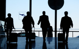 Siết các khoản chi cho cán bộ đi công tác nước ngoài và mua sắm ô tô đắt tiền
