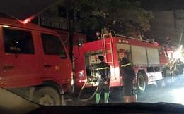 Hà Nội: Nhà 3 tầng cháy rừng rực trong đêm