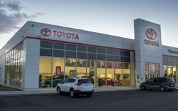 Toyota vừa có tháng bán nhiều ô tô nhất kể từ đầu năm trong khi Mercedes, Ford, Thaco đều sụt giảm