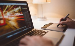 """Kiếm 600 triệu trong 3 ngày, startup Việt DesignBold có """"cướp cơm"""" của dân thiết kế?"""