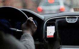 """Khách hàng tố bị Uber """"lạ"""" trừ khống 65 chuyến đi ảo"""