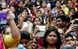 Bí quyết nào giúp Ấn Độ xô đổ Trung Quốc, trở thành ông vua mới của làng smartphone?