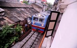"""Đoàn tàu """"giật lùi"""" của đường sắt Việt Nam"""