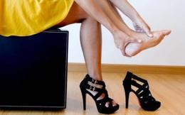 Khoảng cách giàu nghèo khủng khiếp nhìn từ đôi giày cao gót
