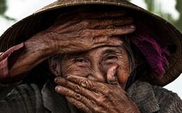 """Nhiếp ảnh gia Pháp tặng ảnh cụ bà """"cả thế giới biết"""" cho Việt Nam"""