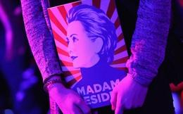Những khoảnh khắc không thể nào quên trong ngày bầu cử lịch sử ở Mỹ