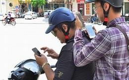 """Bị phạt vì mải """"bắt"""" pokemon trên phố Hà Nội"""