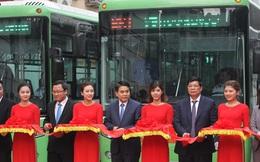 Chủ tịch Hà Nội đi buýt nhanh ngày khai trương