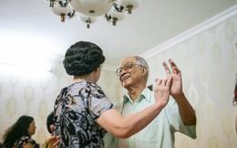 Lời hứa bên nhau trọn đời là có thật! Như cái cách mà ông đã bên bà 60 năm qua, dù không có con cái!