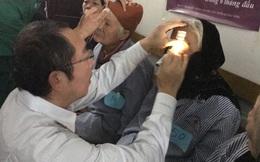 Theo chân vị bác sĩ Nhật đi mổ mắt miễn phí cho hàng trăm người dân nghèo Quảng Ninh