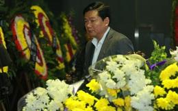 Ông Đinh La Thăng và sao Việt nghẹn ngào đưa tiễn người chiến binh Trần Lập