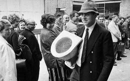 """Tiền thân của chiếc bồn cầu hiện đại ngày nay từng bị chê là một thiết bị """"vô lý"""" và """"vớ vẩn"""""""