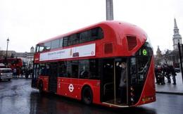 Xe buýt điện hai tầng đầu tiên trên thế giới đi vào hoạt động