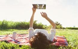 Dùng smartphone, máy tính bảng hay laptop để đọc khiến bạn tư duy kém hơn