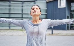 Chỉ cần học lại cách thở là đủ giúp bạn giải toả căng thẳng mọi lúc mọi nơi