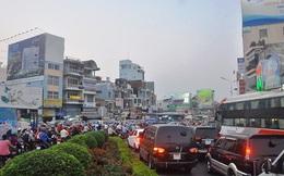 """Người dân ùn ùn rời Sài Gòn về quê gây tắc đường """"kinh hoàng"""""""