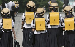 Trẻ em Nhật học cách tự lập và đoàn kết qua bữa ăn trưa như thế nào?