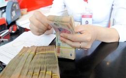 """Lương thưởng ngân hàng: Niềm vui lớn của nhân viên VietinBank và cú sốc của """"VPBanker"""""""