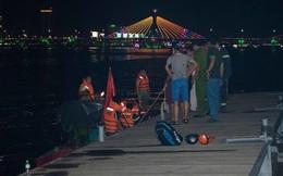 Đang cứu hộ tàu du lịch chở 36 người lật úp trên sông Hàn