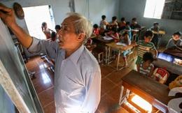 Có một lớp học giá 15 ngàn đồng của ông giáo già giữa làng đại học Sài Gòn