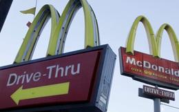 Kinh doanh khó khăn, McDonald tính bán thêm... bia hơi