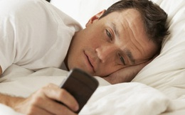 Muốn hôm nay vui vẻ, đừng kiểm tra điện thoại ngay sau khi thức giấc
